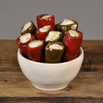 Jalapeno groen/rood gevuld met kruidenroomkaas.